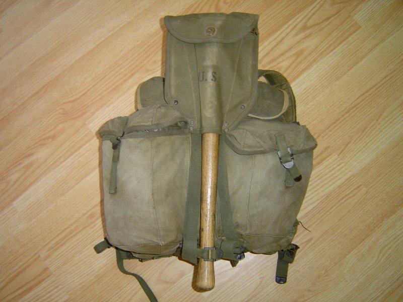 Batoh ARVN s lopatkou M 43